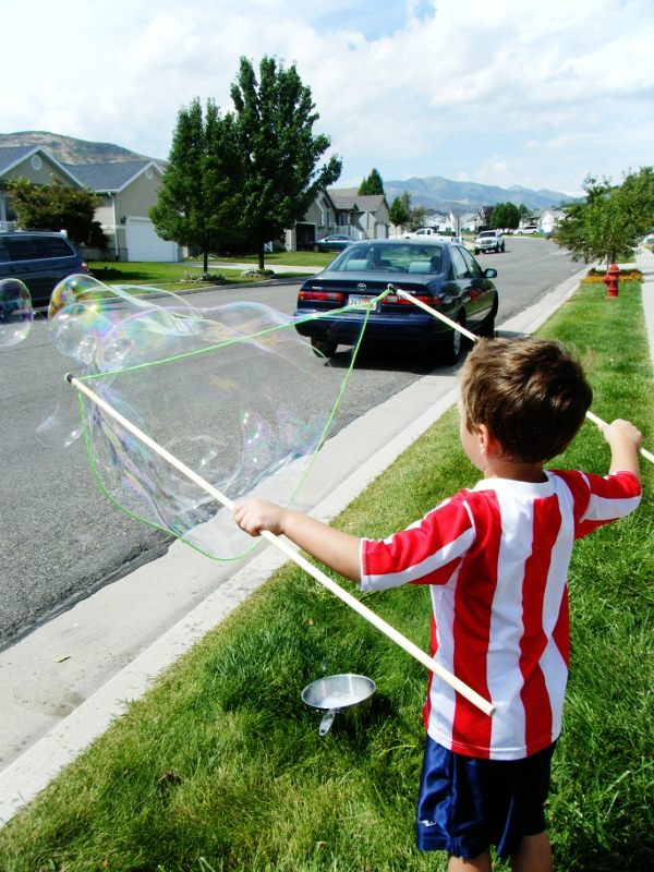 Recipe for Giant Blowing Bubbles